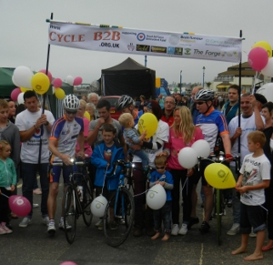 CYcle B2B - The team and crowd at the finish line